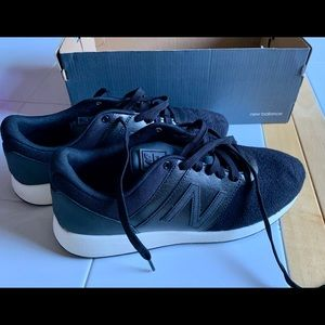 NWT New Balance 24 Lifestyle Black Sneakers